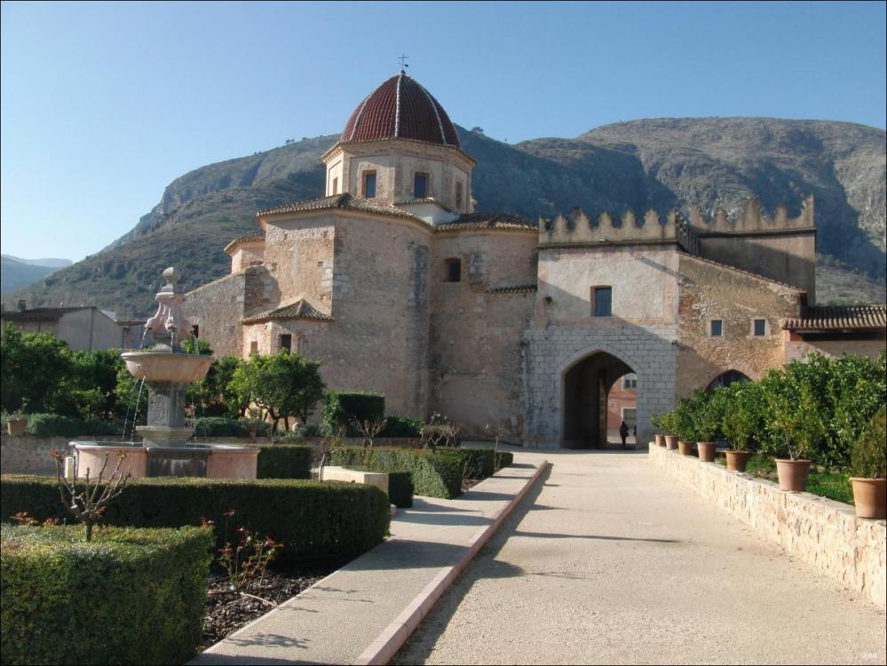 monasteriodesantamariadevalldignapuerta02