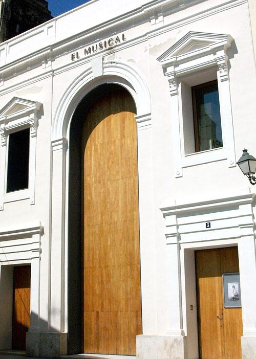 fachada-teatre-el-musical